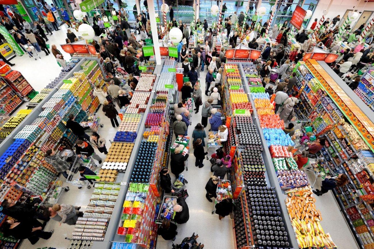 perso-in-un-supermercato-1300x867